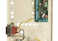 ATS2000A-IP-MM * Centrala avansata cu interfata IP pe placa, 8 - 64 zone, 8 partitii, control acces 8 usi, 200 evenimente, 50 utilizatori, 7 DGP