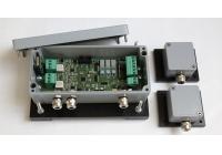 AN-307 * Detector de vibratie, cu doua canale,  stand alone sau optional RS485, montabil pe gard, are 3 iesiri de releu pentru 2 tipuri de alarma: tamper si efractie